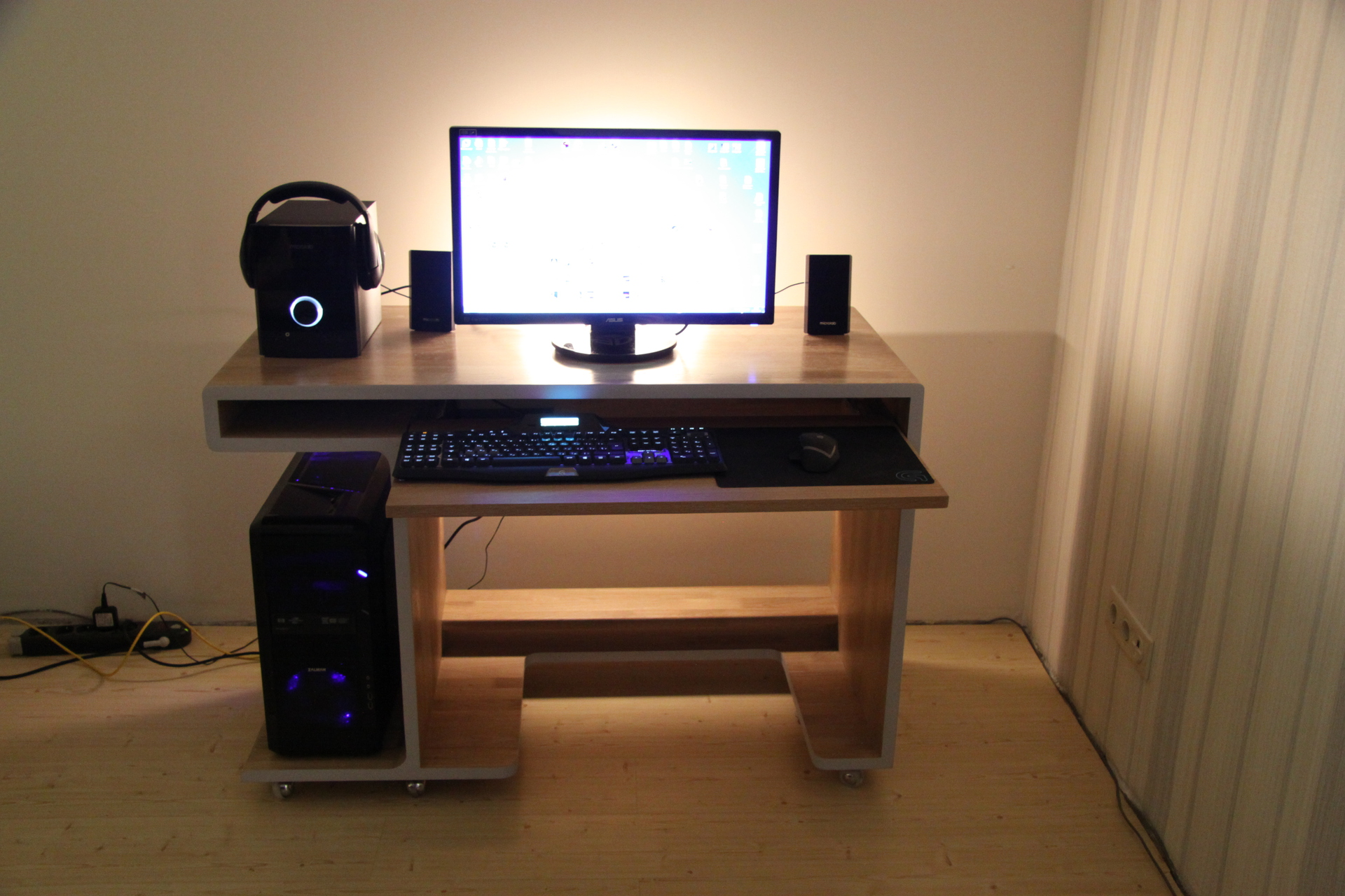 Компьютерного стола своими руками фото