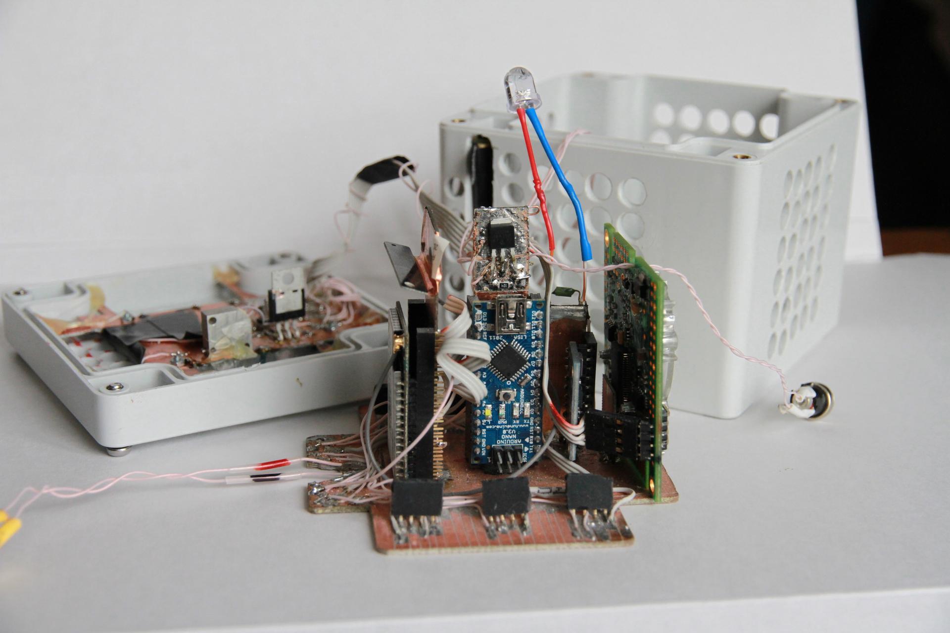 Конструкция белого куба на Arduino