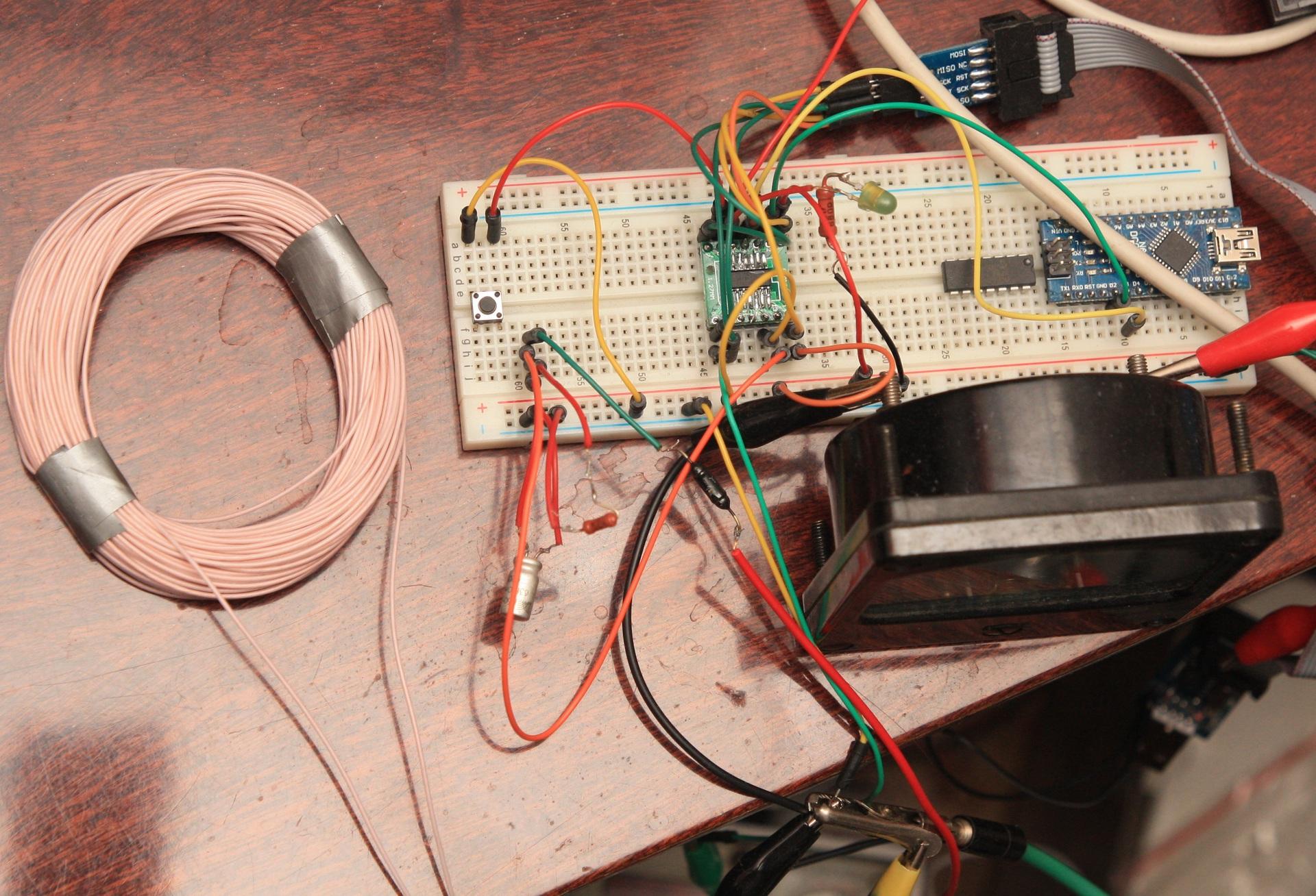 схема микроконтроллер металлоискателя