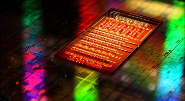IBM представила гибридную микросхему: кремниевая фотоника в действии