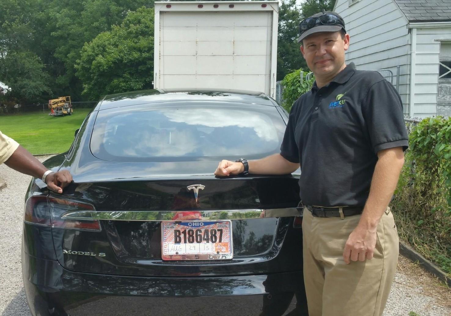 Компьютерный гик Джошуа Браун любил свою Tesla и ласково называл её Тесси