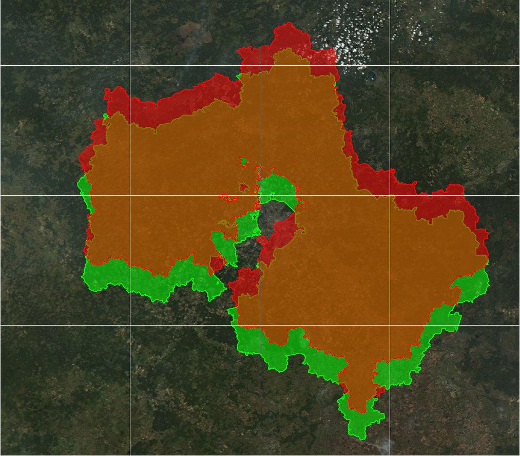 Границы Московской области, совмещенные с намеренно неверной интерпретацией системы координат