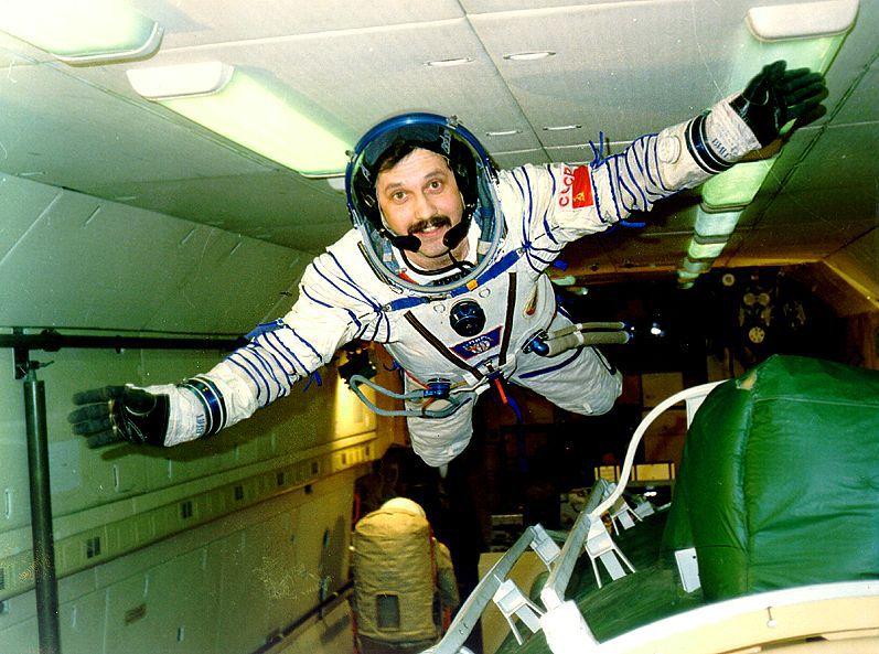 как далеко могут отправится космонавты которые родились пар