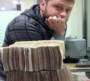 Кардер и сын депутата Роман Селезнёв сказал, что с 2008 года работал под защитой ФСБ
