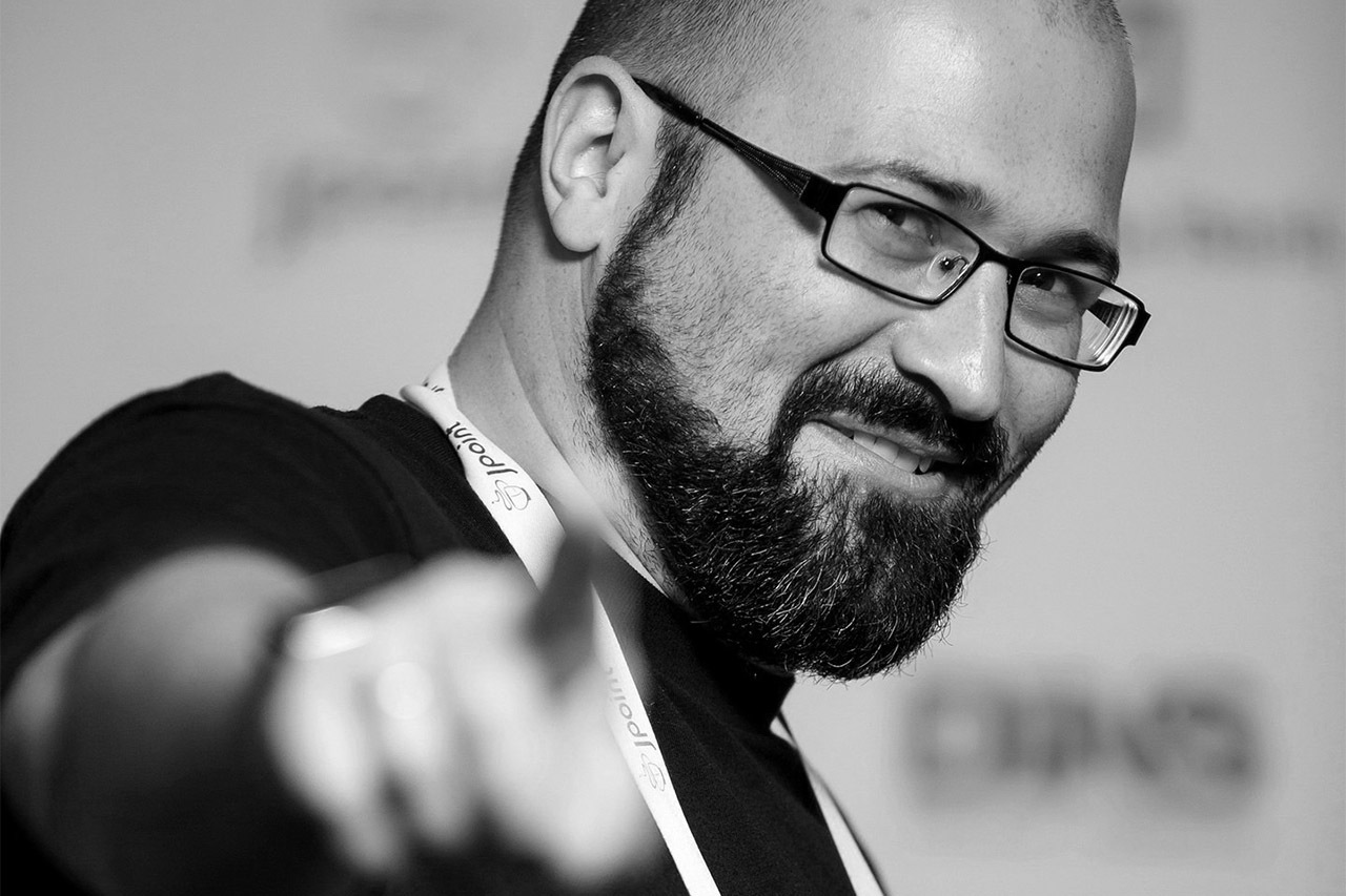 «Выходить на сцену — мой способ не отставать от технологий»??: интервью с Барухом Садогурским из JFrog