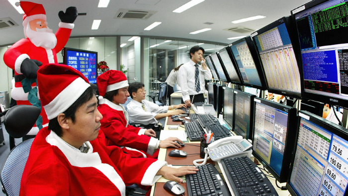 Santa Claus's rally: As New Year's holidays affect stock market