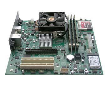 Вид материнской платы MBE2S‑PCv4 спроцессором Эльбрус-4С, ракурс сюга