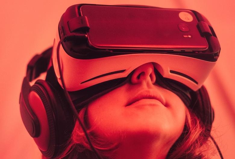 «Порог вхождения сводится к знанию основ компьютерной графики»: разработчик Александр Коршак о мобильном VR