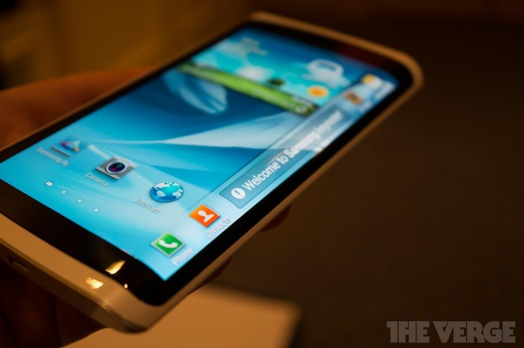 Смартфон на грани: Samsung Galaxy Edge с по-новому изогнутым дисплеем