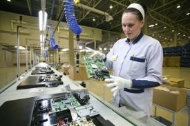 Польза от девальвации? Российские компании переносят сборку электроники из Азии в Россию
