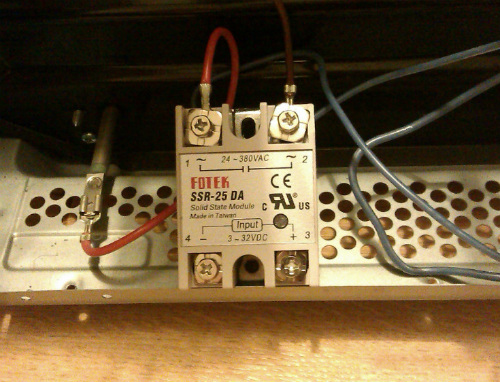 Solid-state relay for controlling electric ovens