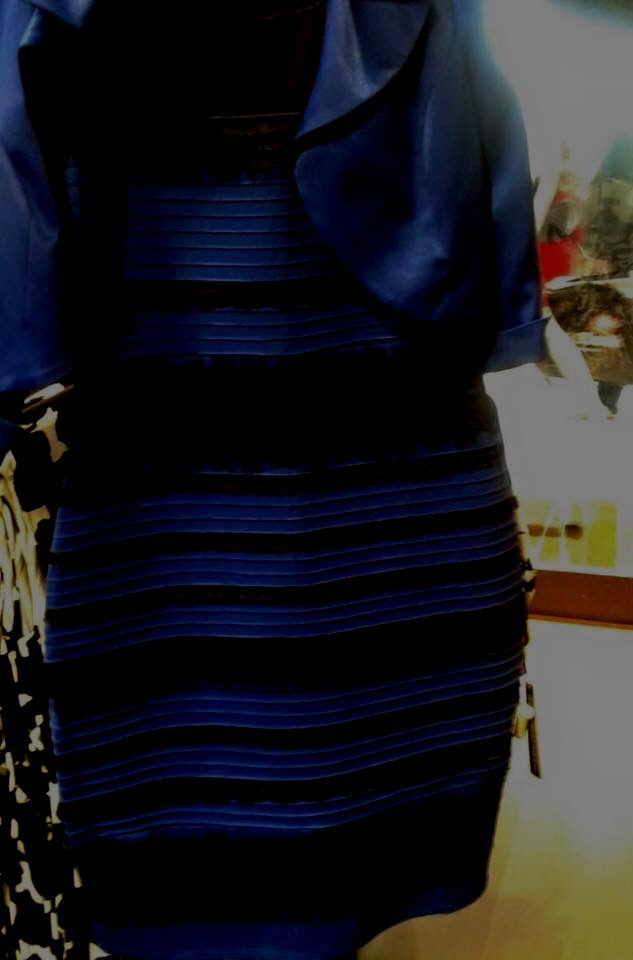 Что за фокус с цветом платья