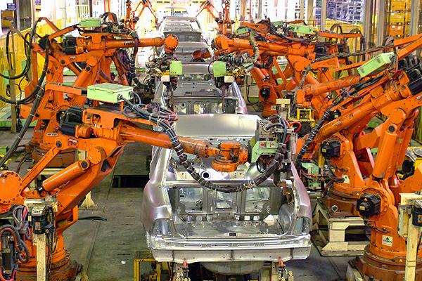 роботизированный конвейер сборки автомобилей