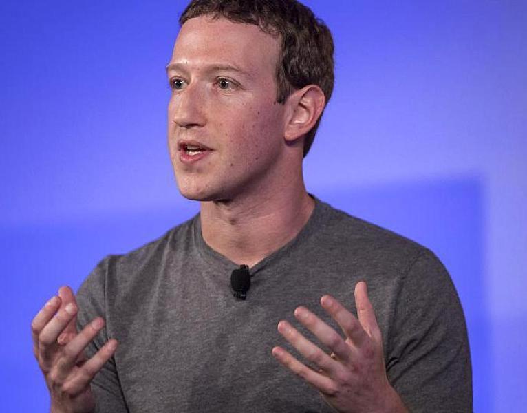 Защищаясь, Цукерберг берет Эвана Шпигеля «за горло»