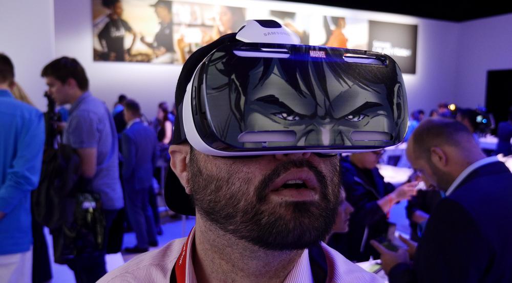 Samsung открывает мир мобильной виртуальной реальности с инновационными очками Gear VR