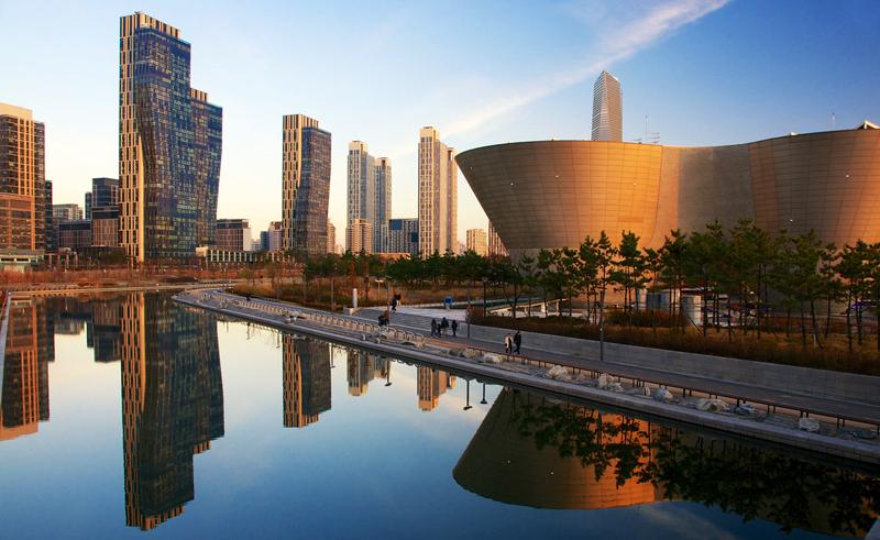 Картинки по запросу город будущего