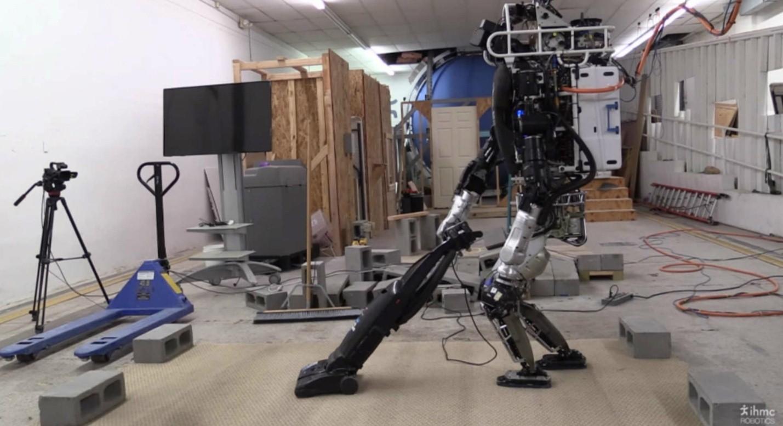 Самые полезные домашние роботы