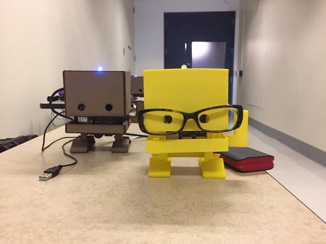 TJBot: DIY-робот из картона под управлением ИИ, которого можно собрать за 15 минут