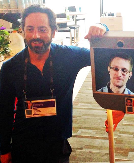 Эдвард Сноуден живёт свободной жизнью — как робот