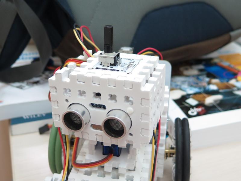 Как мы придумывали конструктор для детской робототехники. #2