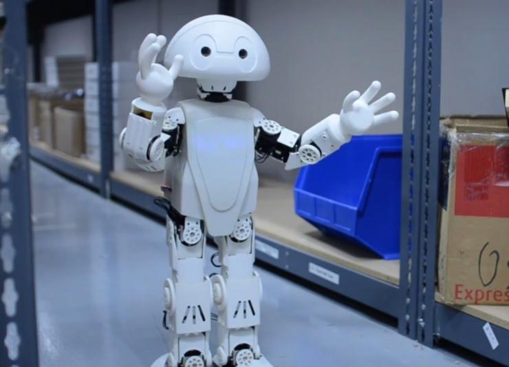 Робот в каждую семью. Intel анонсировала конструктор для создания собственн ...