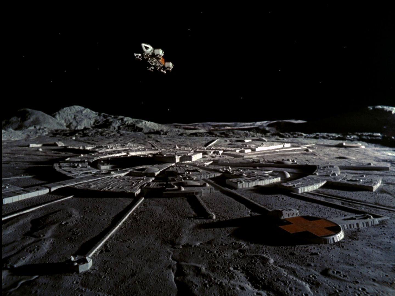 Роскосмос планирует построить лунную базу, наладить промышленность и добычу ископаемых