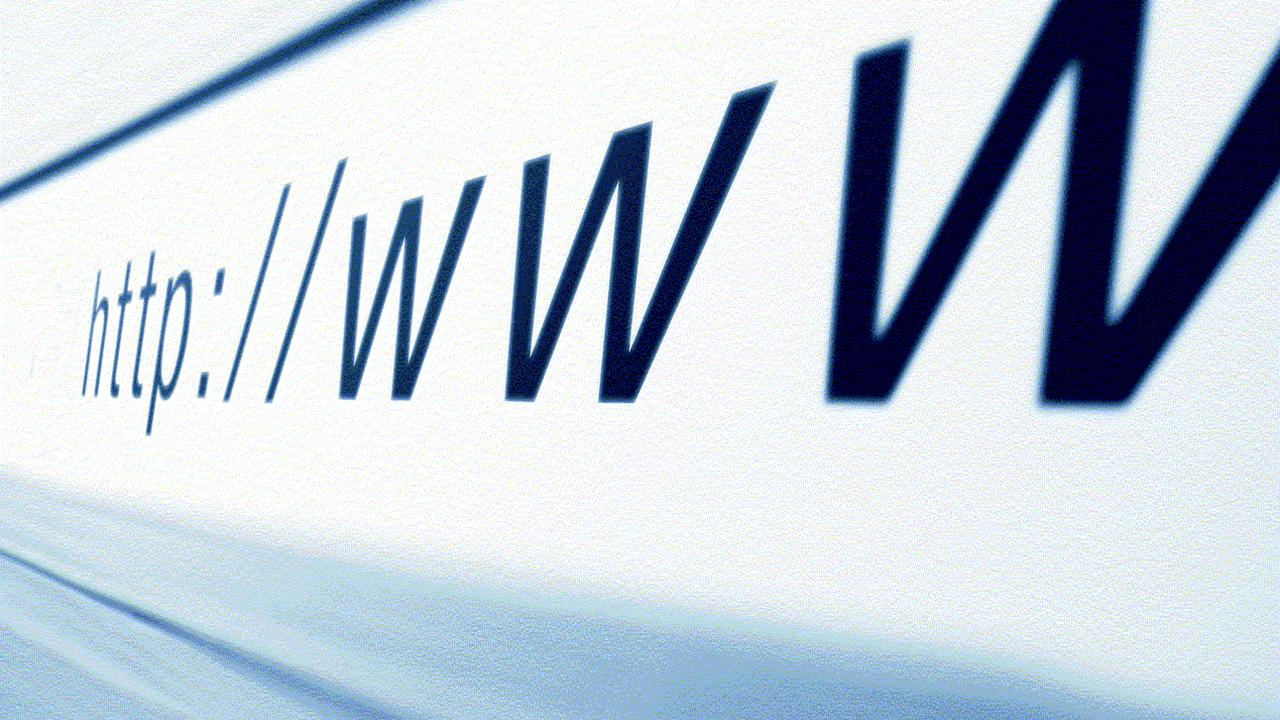 Минкомсвязи и МИД займутся созданием в странах БРИКС автономной системы корневых серверов DNS