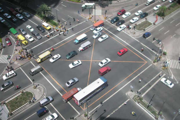 Видео: на дорогах будущего не будут нужны светофоры