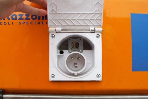 Autopilot Auxiliary Power Outlet