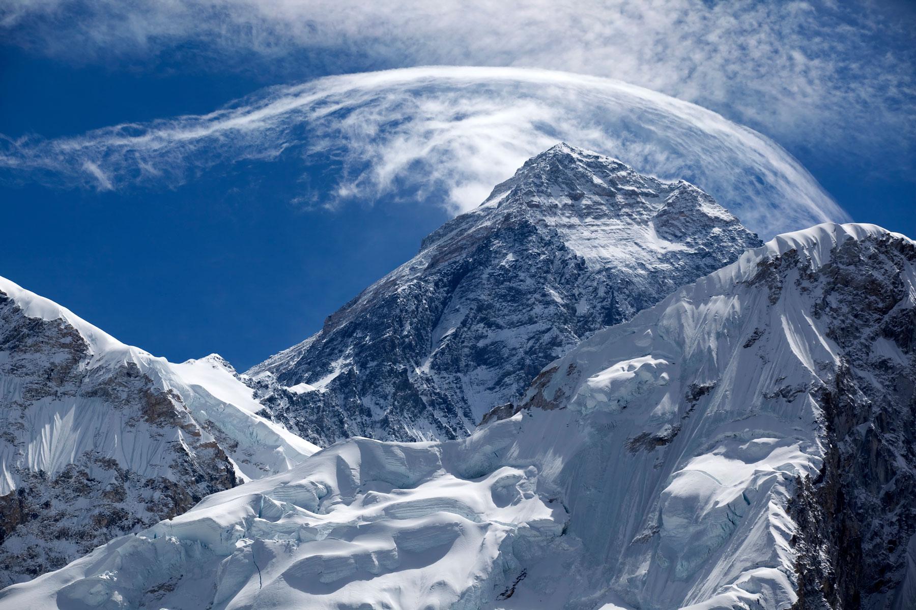 [Перевод] Человек, пытающийся решить проблему отходов жизнедеятельности на Эвересте