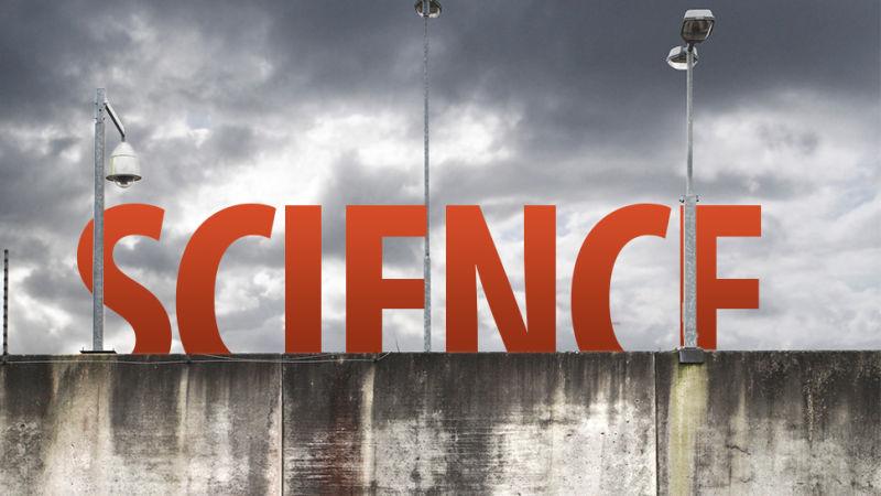Sci-Hub стал играть настолько важную роль, что платная модель работы научных издательств под угрозой
