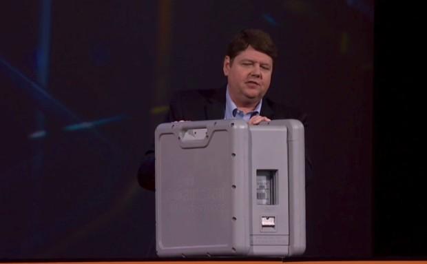 Amazon предлагает пользователям передавать данные в облака чемоданами