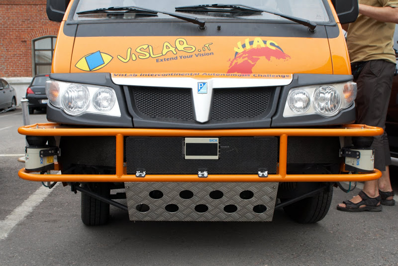 Front bumper with scanners