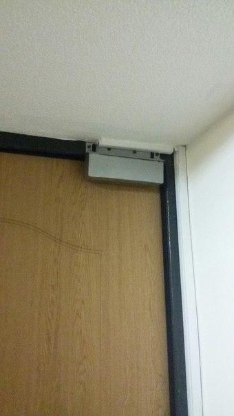 Сама дверь
