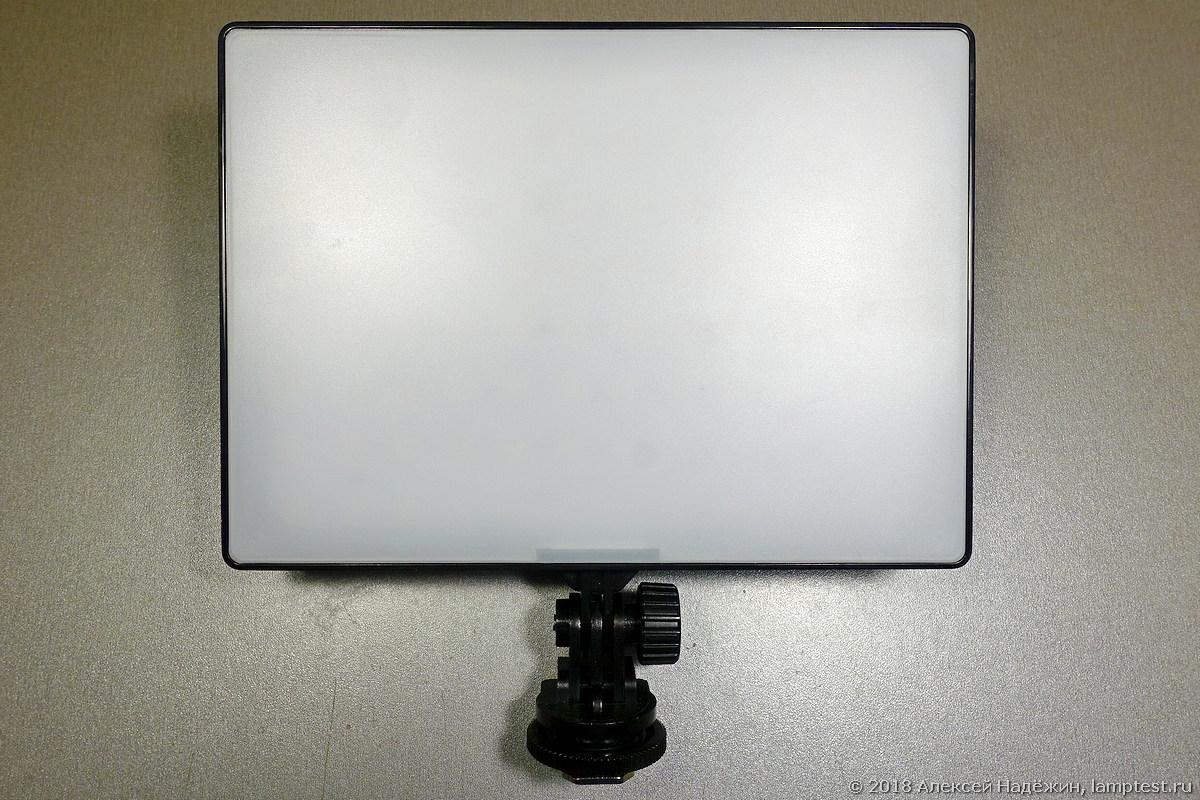 Светодиодный фотоосветитель Yongnuo YN300 с высоким CRI