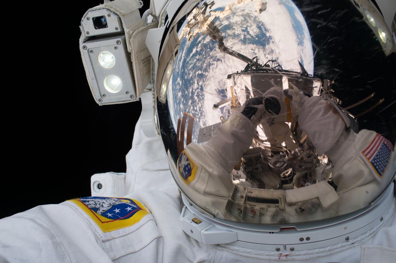 НАСА опубликовало собственный архив фотографий, видео и аудиозаписей