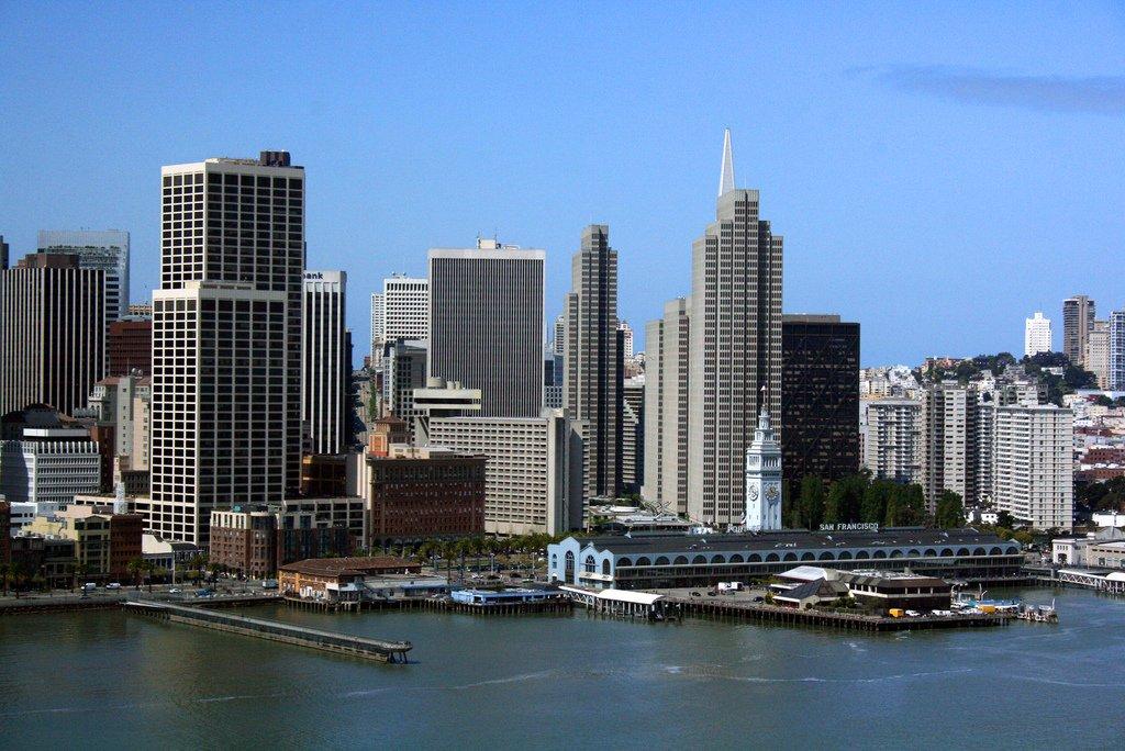 Сотруднику Twitter из Сан-Франциско едва хватает на жизнь $160 000 в год