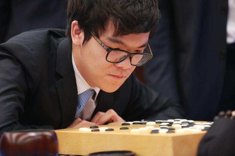 AlphaGo выиграл второй из трех матчей с чемпионом мира по го Кэ Цзе