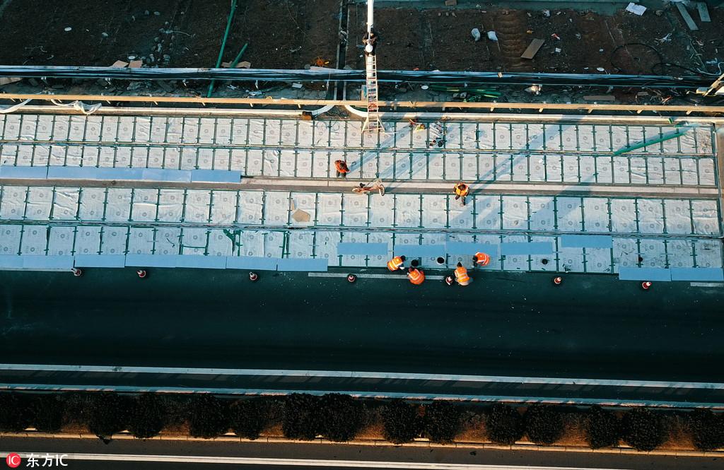 Китай строит шоссе с солнечными панелями и прозрачным бетоном
