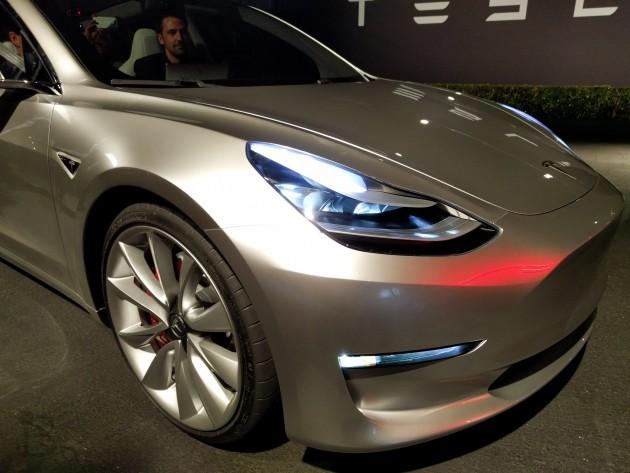Авария Tesla со смертельным исходом: кто виноват и что делать дальше?