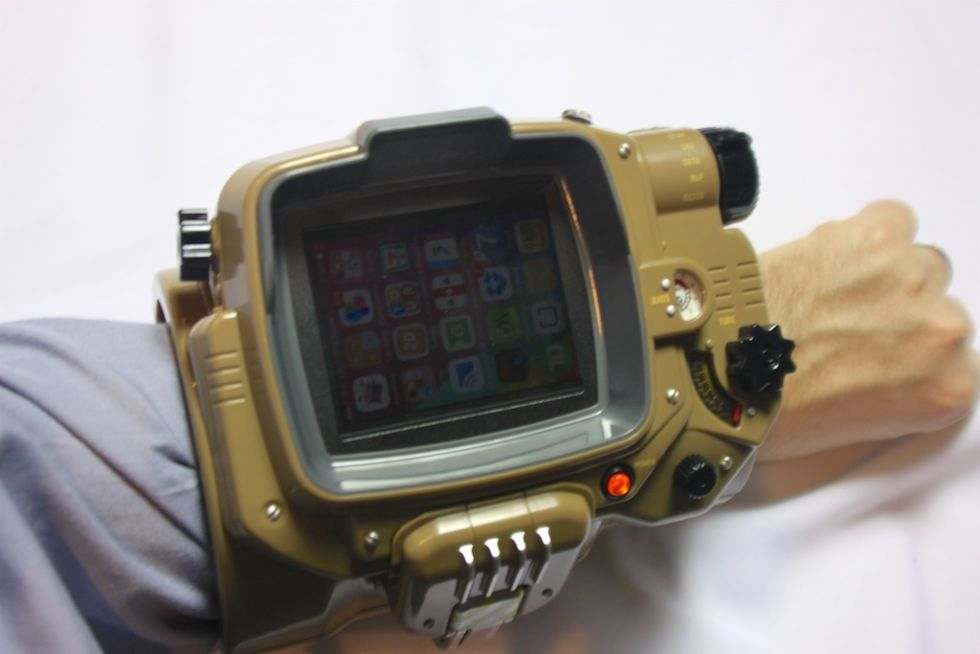 iphone pip boy pip boy anboksing the acquaintance to the wrist pc 8453