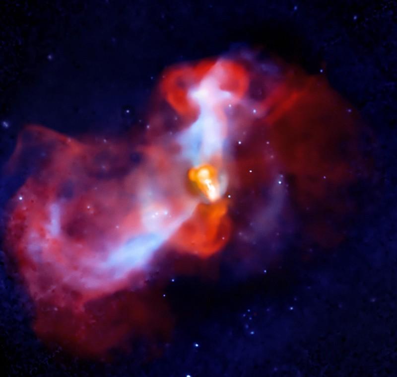 Крупнейшая чёрная дыра в известной части Вселенной