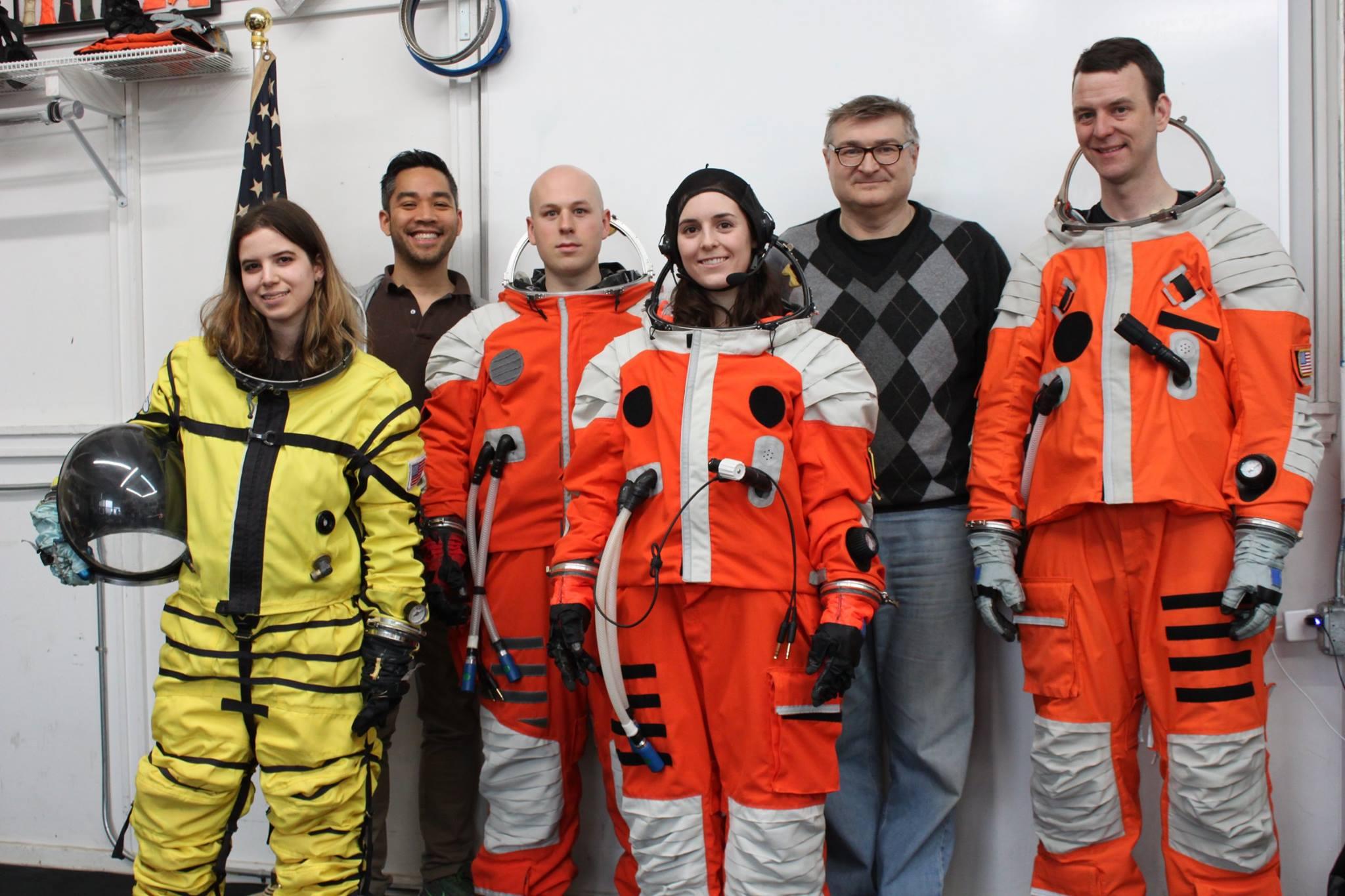 Скафандр для высадки на Европу и Луну — каким он должен быть? Интервью с ведущим конструктором Final Frontier Design