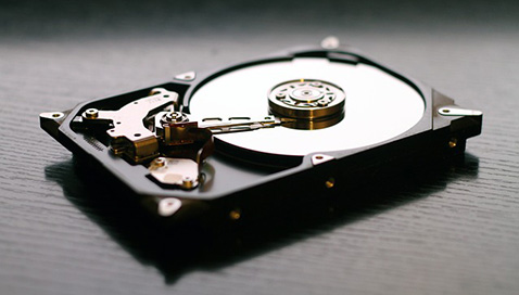 Пользователи продают смартфоны и диски со своими персональными данными, не зная об этом