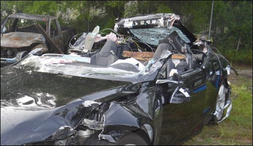 Tesla, попавшая в мае в аварию со смертельным исходом, ехала с превышением скорости