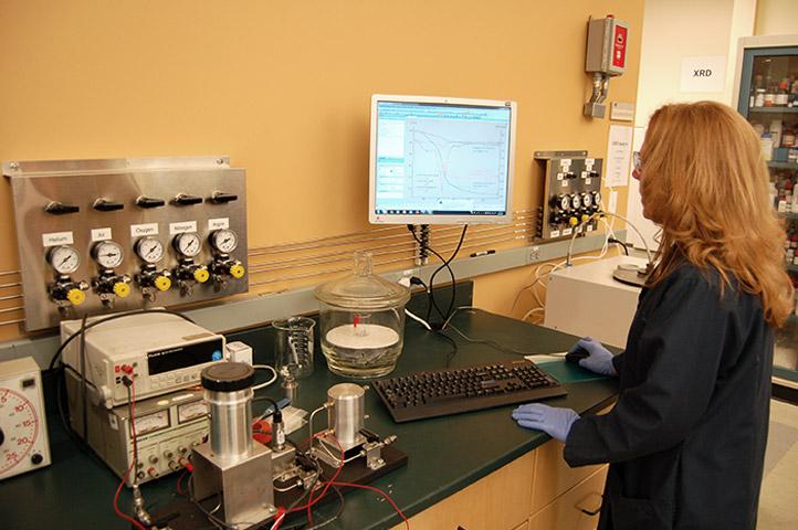 Компания CAMX Power разработала новые материалы для емких батарей и предлагает их всему миру