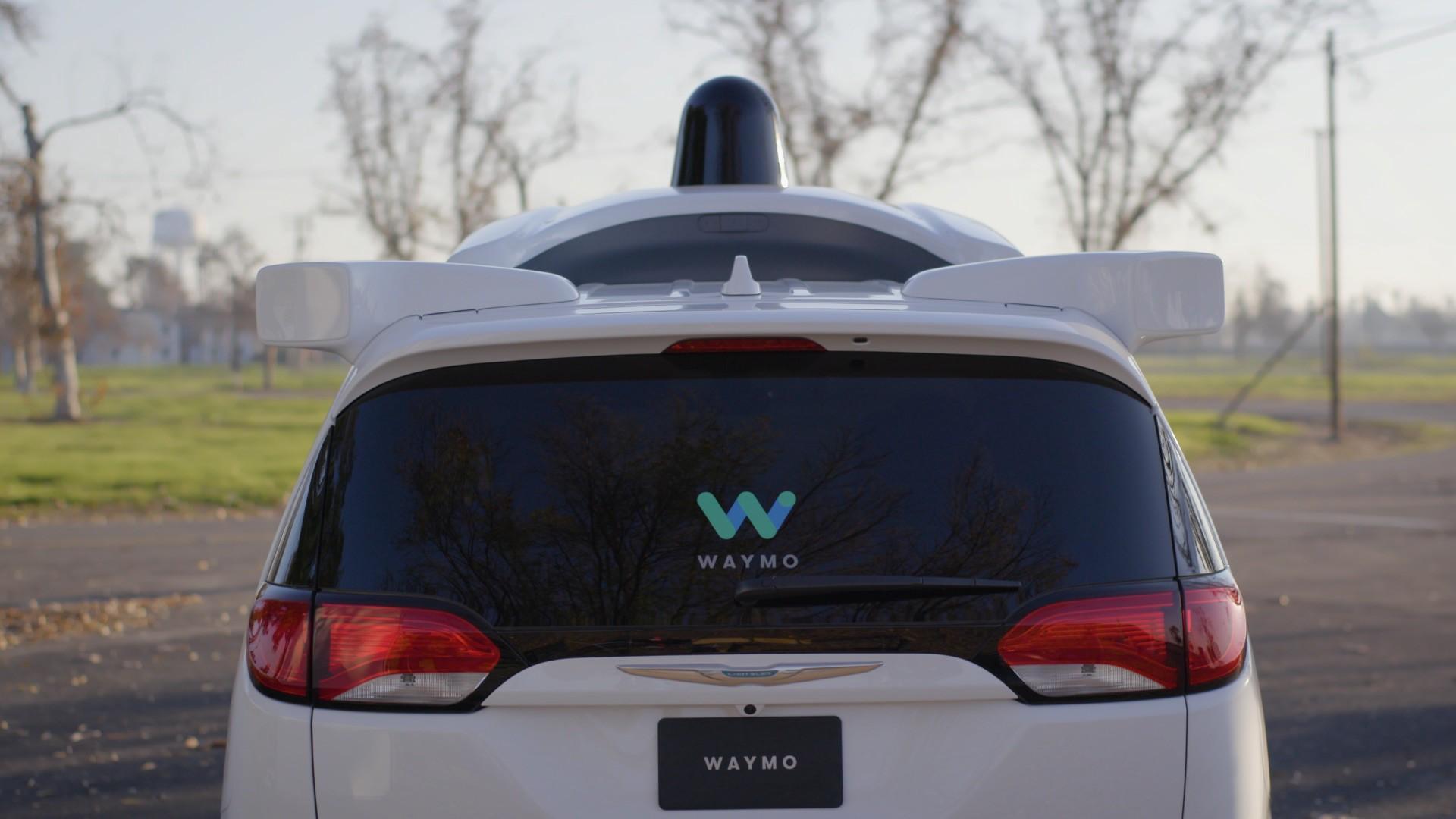 Waymo обвиняет Uber в незаконном присвоении 14000 файлов