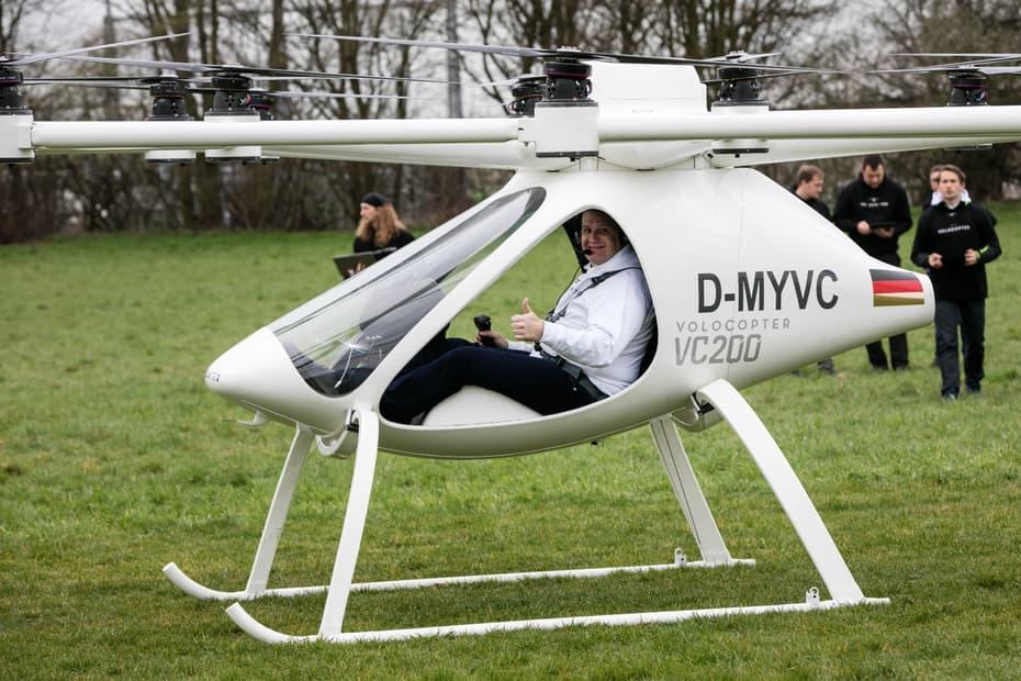 Гибрид вертолёта идрона впервый раз совершил пилотируемый полёт