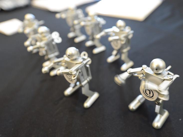 Ограничения формального обучения, или Почему роботы не умеют танцевать