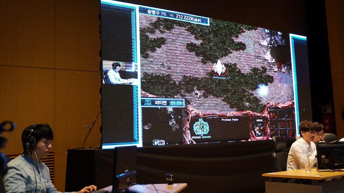 Человек победил ИИ в Starcraft со счетом 4-0